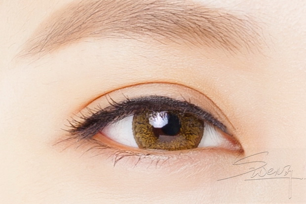 Eyelid - Tapered fold (high) - Double eyelid surgery